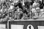 """Madrid. 12-6-1959.- El guerrillero argentino Ernesto """"Che"""" Guevara acudió a una corrida de toros en la plaza de Vista Alegre durante su visita a Madrid"""